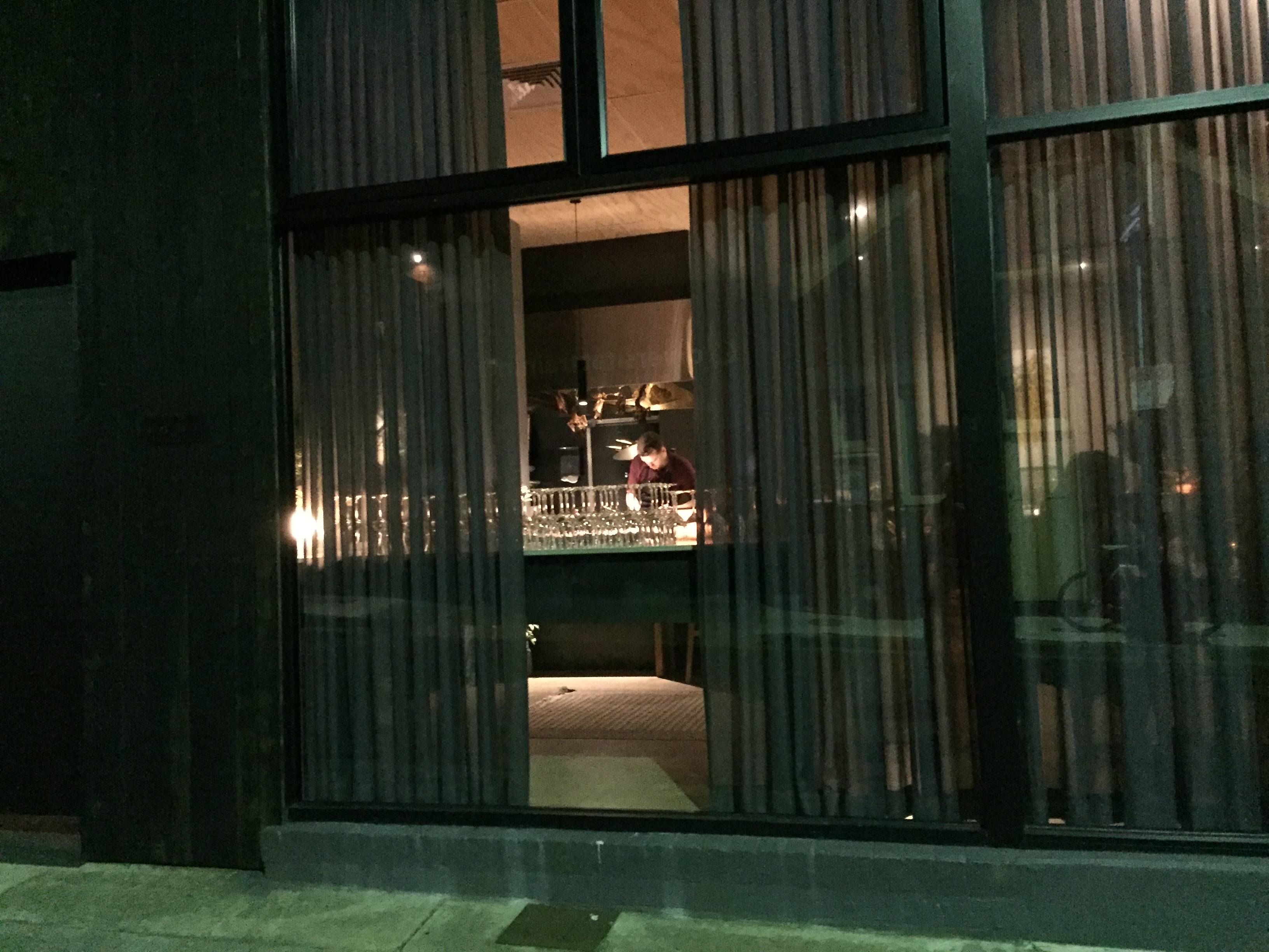 隠れ家的なレストラン